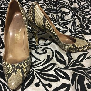 56c18da94e47e6 Shoes - Vintage Authentic Snakeskin Pumps